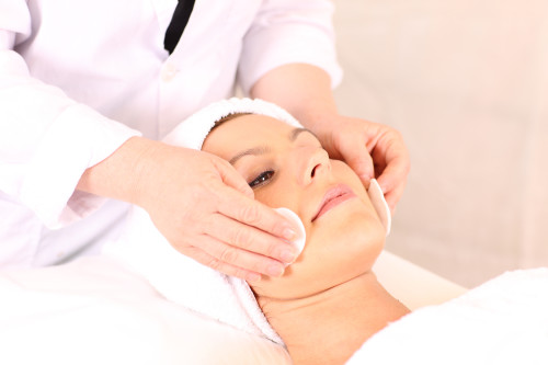 Skin care treatments following a facelift